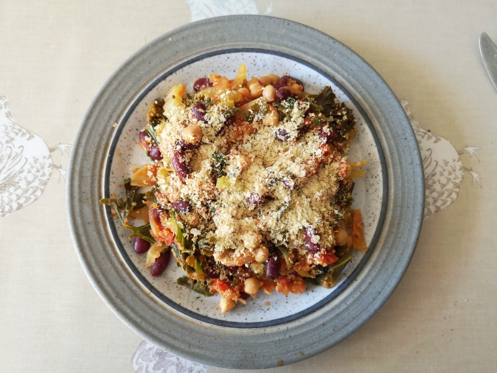 Kale and Quinoa Healthy One-Pot Meal with Engevita Yeast Flakes